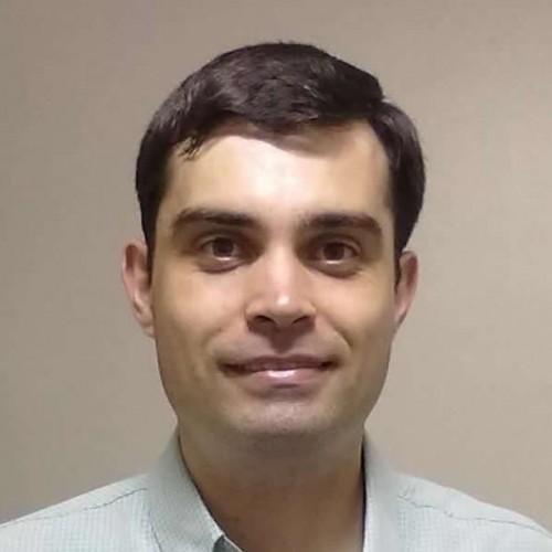Roger Remy Dresch: Doutor em Ciências Farmacêuticas. Consultor da Secretaria de Estado da Saúde/RS em Políticas Públicas e em Fitoterapia para a implementação da Política Intersetorial de Plantas Medicinais e Fitoterápicos do RS