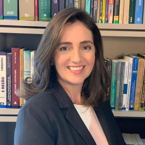 Mediadora: Helena Lahude Costa Franco - Professora do Curtso de Direito ULBRA São Jerônimo.
