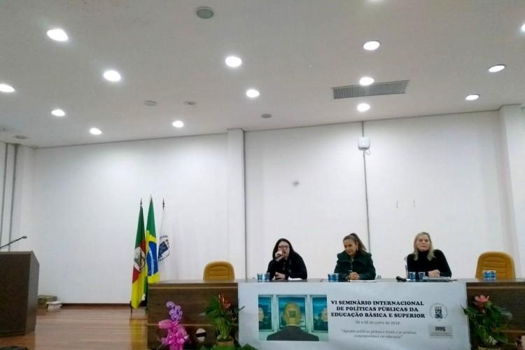 Professora Vanessa dos Santos Nogueira