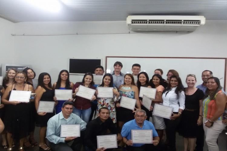 Alunos que concluíram os cursos de Pós-Graduação oferecidos pelo CEULS