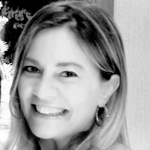 Maria Claudia Cachapuz: Doutora pela UFRGS. Professora da UFRGS e Feevale. Magistrada do TJRS