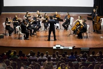 Orquestra de Câmara da ULBRA se apresenta com o grupo Nenhum de Nós