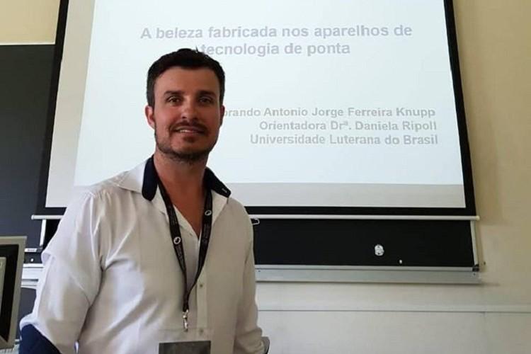 Professor participa de Congresso na Espanha