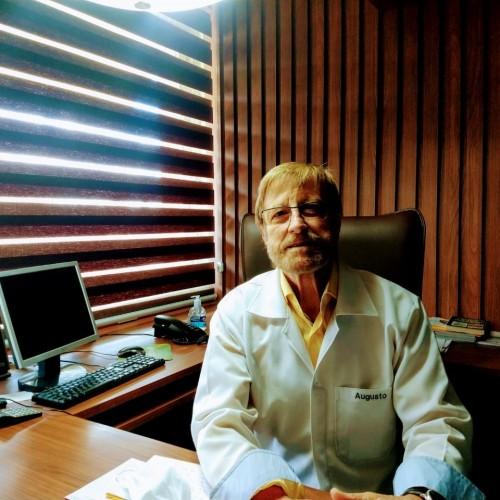 Augusto Ramos do Prado: Professor Adjunto Urologia UFSM. Chefe do Serviço de Urologia HUSM.