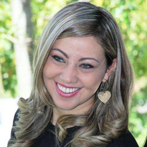 Tainá Gonçalves: Egressa do Curso de Letras/ Ulbra-Gravataí e formada em Letras Espanhol pela Universidade Luterana do Brasil 2014. Pós graduada em Ensino de Língua Estrangeira- métodos e aprendizados.
