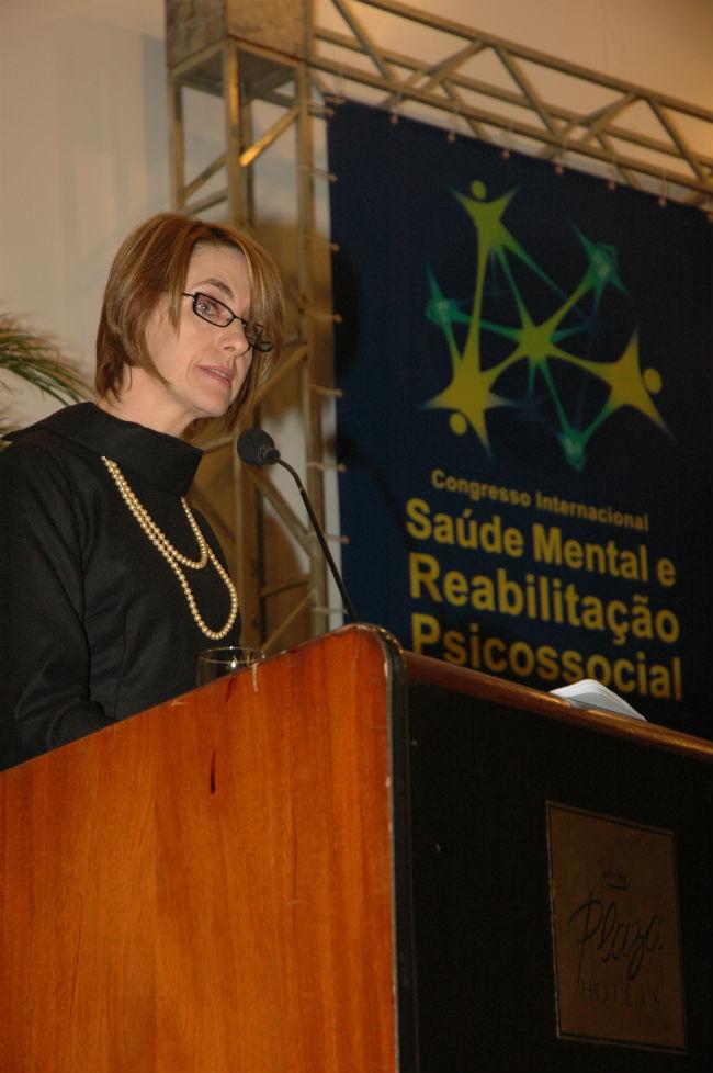 Alice Hirdes destacou a import�ncia do Programa de P�s