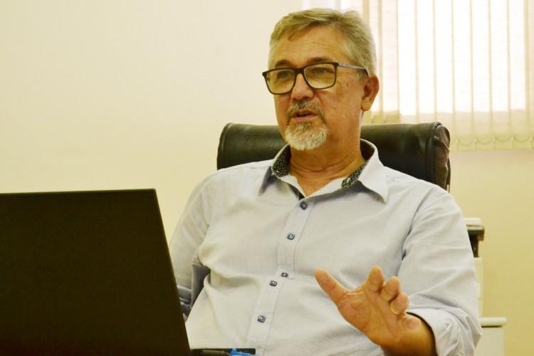 Hugo Lüdke afirma foco na formação profissional somada ao material didático