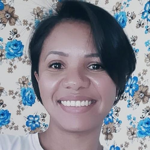 Convidada: Suelly Sousa - Graduada em Letras - Português/Inglês e respectivas literaturas. Especialista em Educação a Distância e Docência do Ensino Superior.