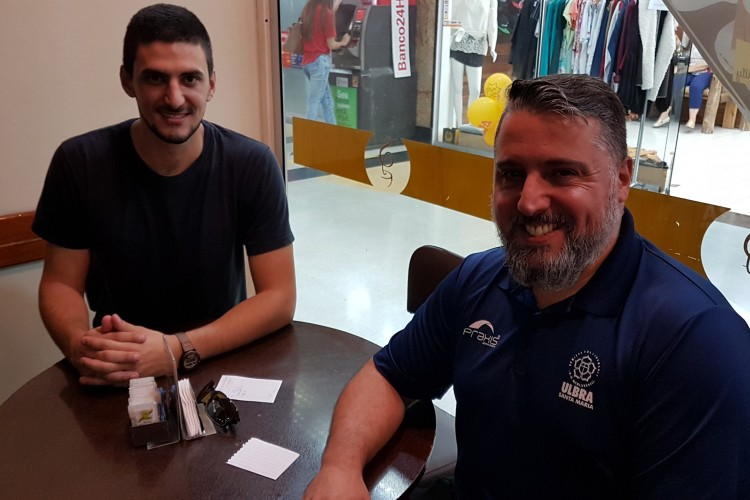 Pietro Lovato e o professor Rafael Ferrer