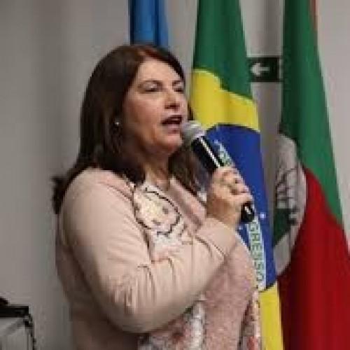 Profª Drª Cláudia Groenwald: Coordenadora PPGECIM /ULBRA