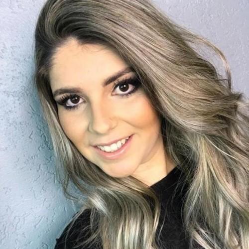 Francieli Raupp Correa: Acadêmica do Curso de Direito da Ulbra Canoas