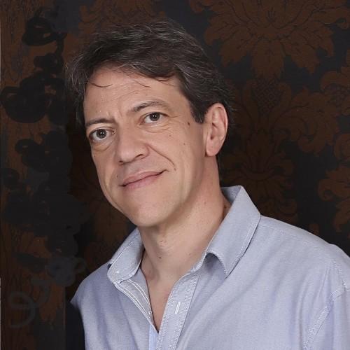Carlos Del Castillo: Professor do Instituto Cervantes de Porto Alegre e examinador do diploma de espanhol e língua extrangeira (DELE).