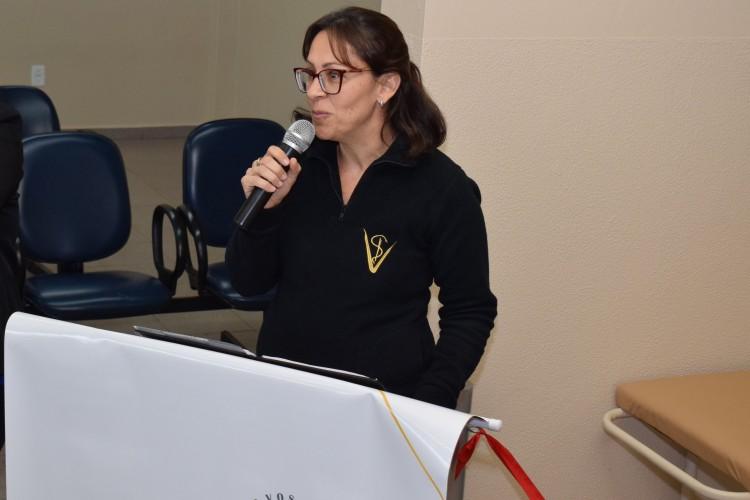 A coordenadora do curso de Medicina Veterinária, Cristine Fischer