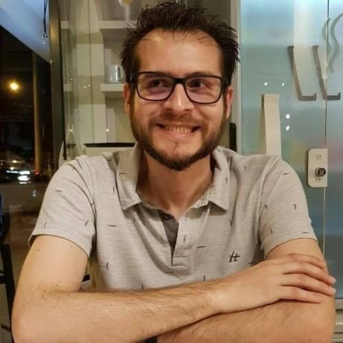 Jonas de Oliveira Sangoi: Professor, arquiteto urbanista e empreendedor social no Pro4rq 4rquitetura, trabalha há 10 anos desenvolvendo projetos de arquitetura com ênfase em projetos para aprovação em prefeituras e regularização de imóveis.