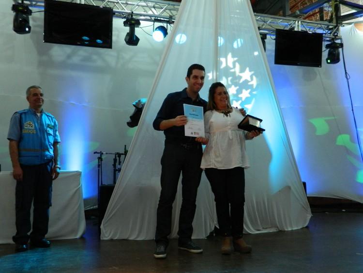 Vera Cleonir Coelho da Silva venceu na categoria Aluno Universitário