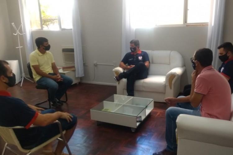 Diretor Rodrigo Batista Moreira e integrantes da comissão técnica da ACESA.