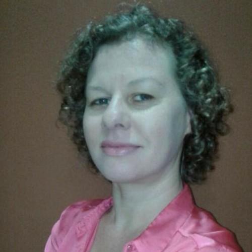 Sheila Policarpo -Contadora. Pós-Graduada em Controladoria e Finanças e Normas Internacionais.