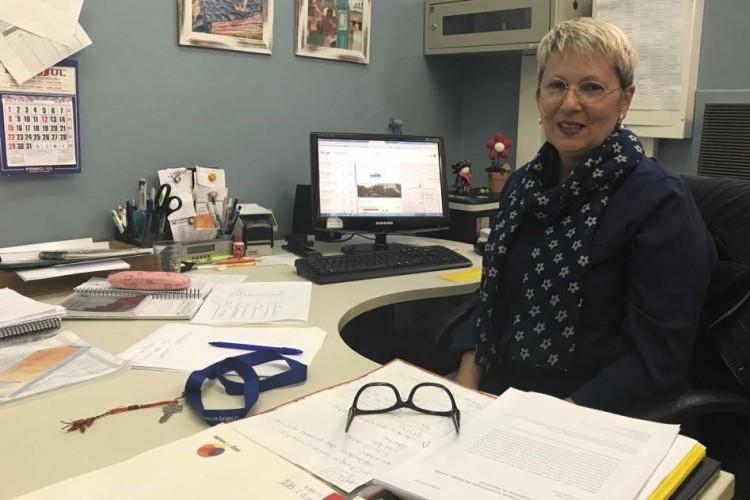 Professora Gehysa Guimarães Alves, coordenadora do PPGProSaúde