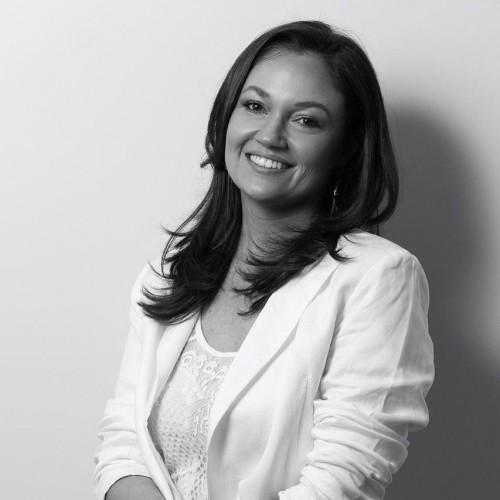 Karina da Costa : Coordenadora do Curso de Arquitetura e Urbanismo da ULBRA Carazinho. Professora dos cursos de Arquitetura e Urbanismo, Engenharia Civil e CST em Design de Interiores