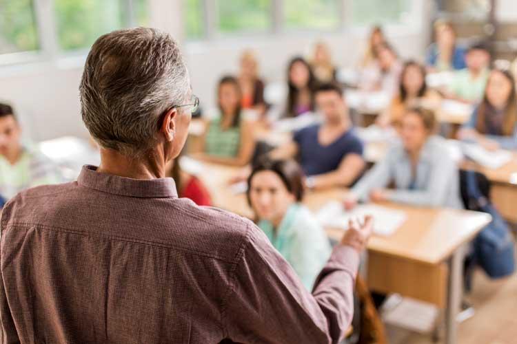 As aulas presenciais iniciam no dia 02 de março de 2017 e serão realizadas, às quintas e sextas-feiras, nos turnos da manhã e tarde, nas dependências do campus Canoas da Universidade